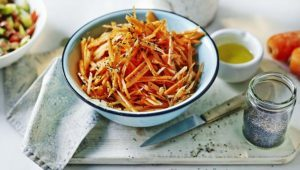 Carrot and poppyseed salad
