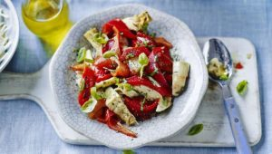 Roasted red pepper and artichoke salad