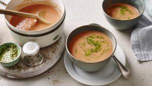 Ten-minute tomato soup