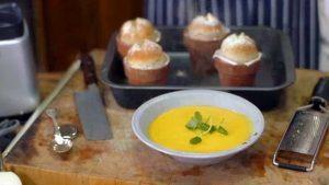 Butternut squash soup with flowerpot bread