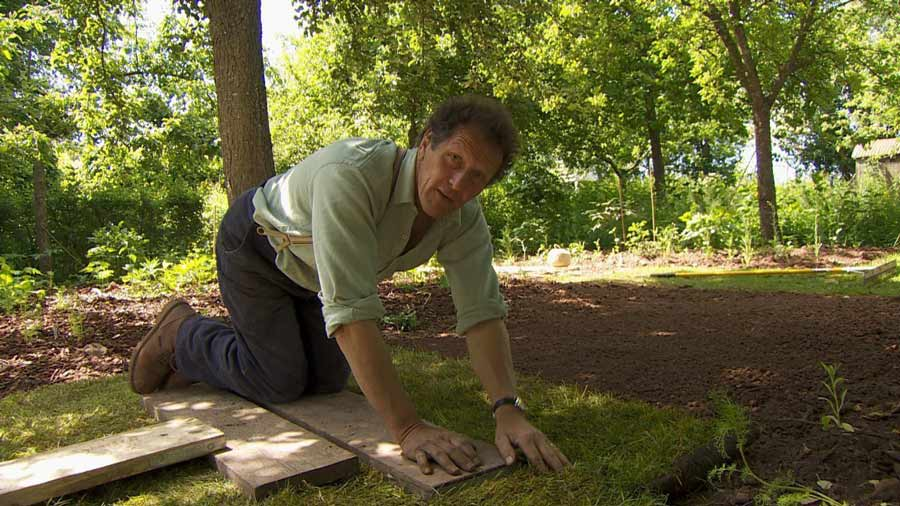 Read more about the article Gardeners World episode 15 2015