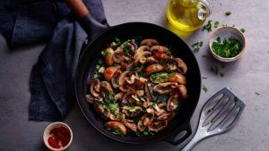Garlic mushrooms with sherry vinegar