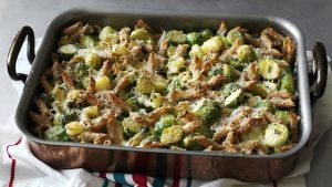 Hearty wholewheat pasta with Brussels sprouts
