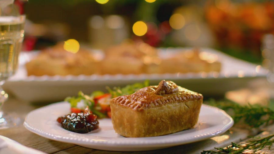 Mary Berry's Country House at Christmas