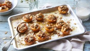 Roast apricots with Marsala and almonds