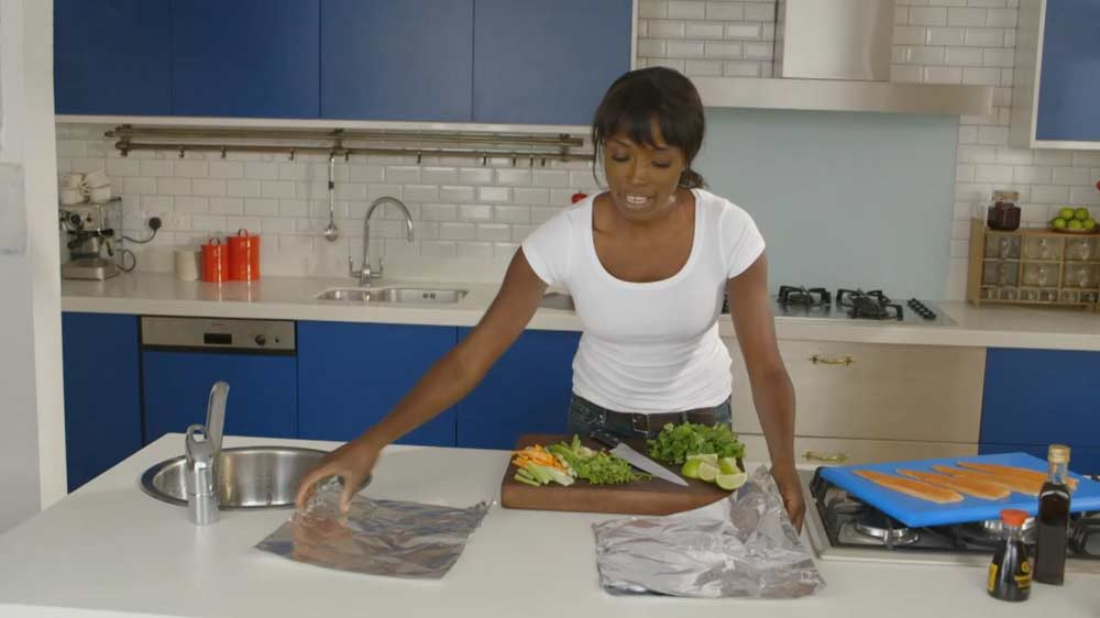 Lorraine's Fast, Fresh and Easy Food episode 1