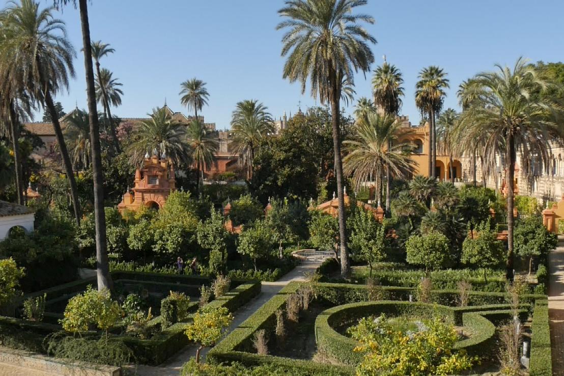 You are currently viewing Gardens Near and Far episode 11 –  Alcazar