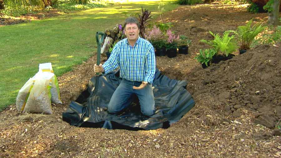 Alan Titchmarsh's Garden Secrets – 19th Century episode 3