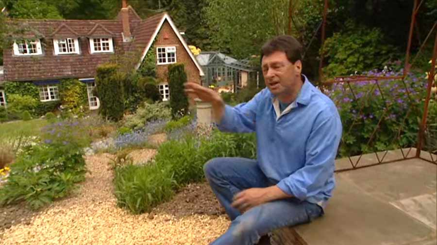 You are currently viewing Gardeners World episode 13 2002