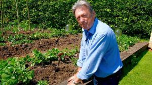 Grow Your Own At Home With Alan Titchmarsh episode 2