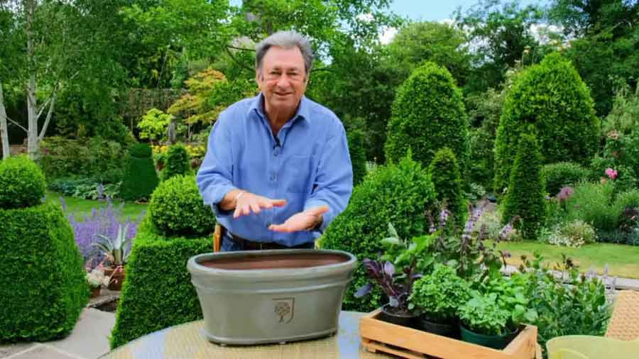 Grow Your Own At Home With Alan Titchmarsh episode 5