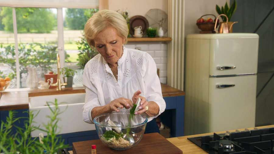 Mary Berry's Simple Comforts episode 1 - Paris