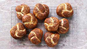 Onion pretzels