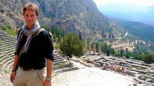 Read more about the article Delphi – The Bellybutton of the Ancient World