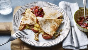 Gouda quesadillas with caramelised apples and onions