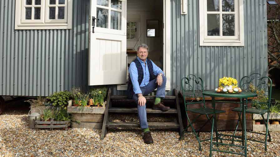 Alan Titchmarsh: Spring Into Summer episode 3