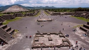 Around the World in 80 Treasures episode 2 – Mexico to America