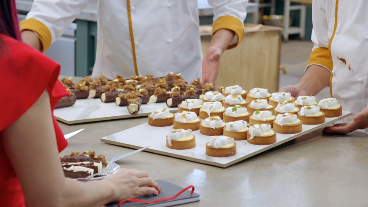 Read more about the article Bake Off: The Professionals episode 4 2021